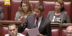 Alessandro Di Battista risponde a Matteo Renzi