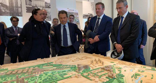 Con il ministro Costa, in visita all'Ex Area Falk