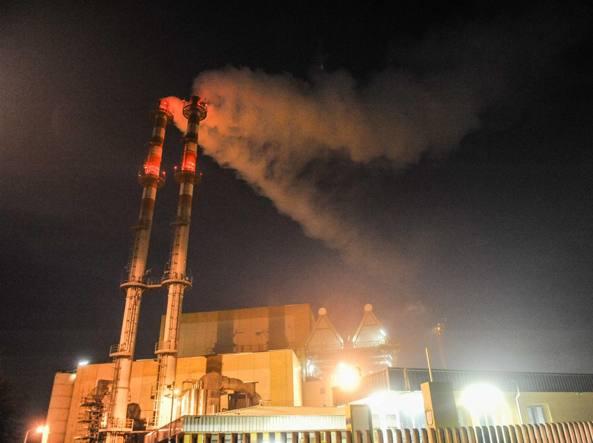Accam per il M5S l'inceneritore va spento, basta bruciare rifiuti