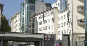 """All'ospedale di Sesto San Giovanni un solo rianimatore per tre reparti: """"Regione Lombardia ha ricevuto 80 milioni di euro per assumere personale, faccia i bandi"""
