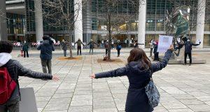 Il M5S Lombardia ha partecipato al presidio organizzato in piazza Lombardia a Milano dal comitato 'A scuola!'.