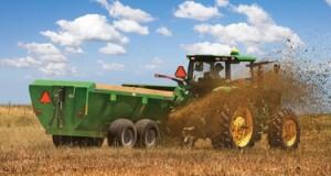 La Lombardia vuole fertilizzare i campi con i rifiuti